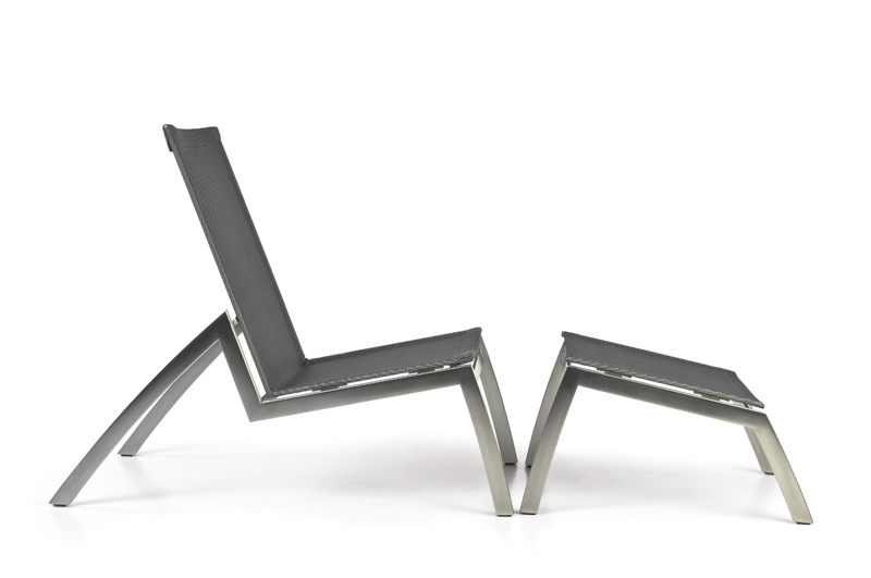 Todus_Batyline Low chair with footrest