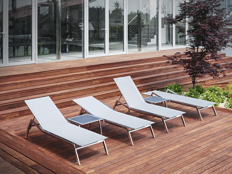 Todus_Batyline loungers_side tables