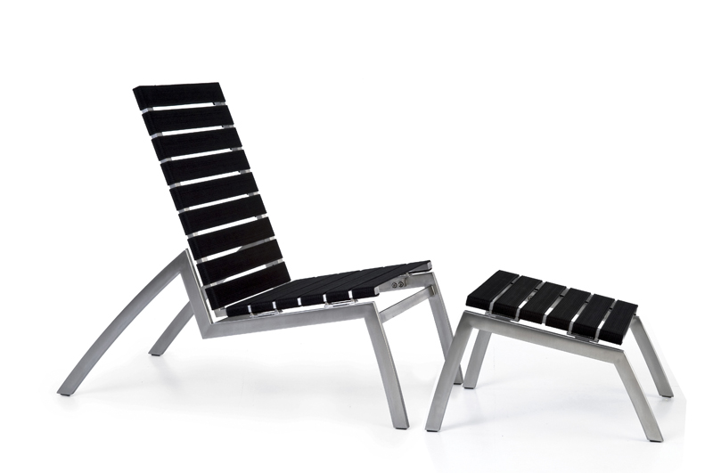 Todus_Low chair with footrest_belts